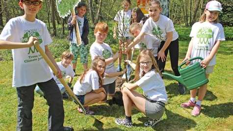 Children become climate ambassadors - UPM supports Plant-for-the-Planet